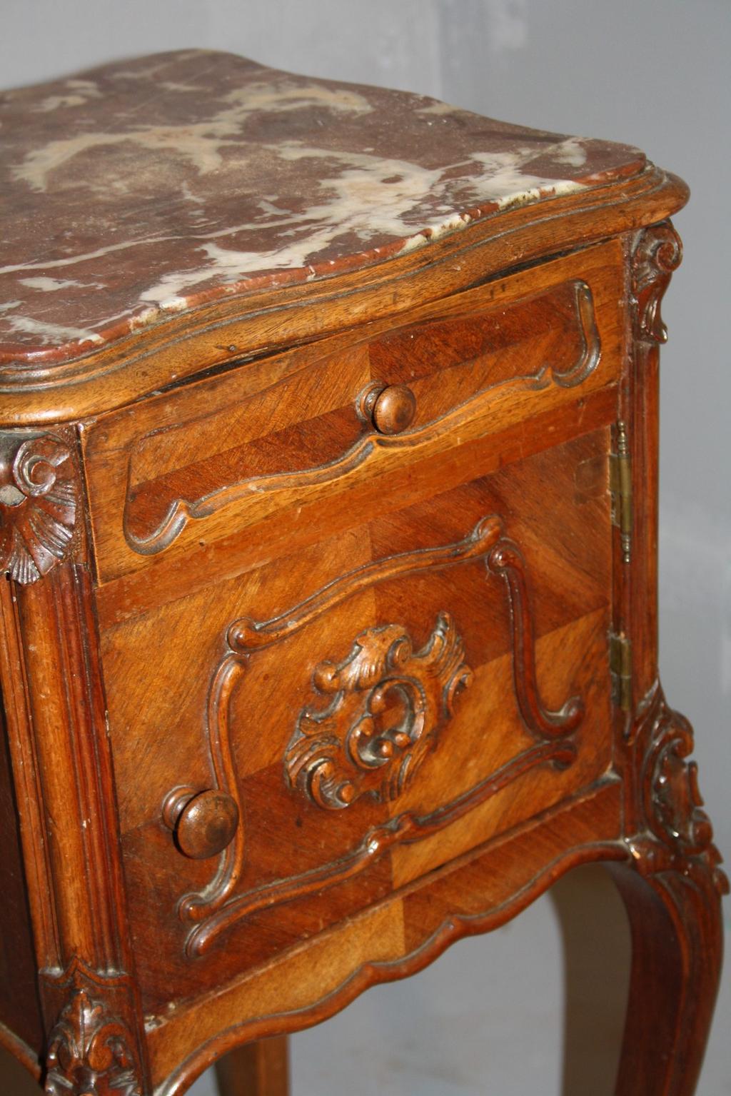 Продажа антикварной мебели